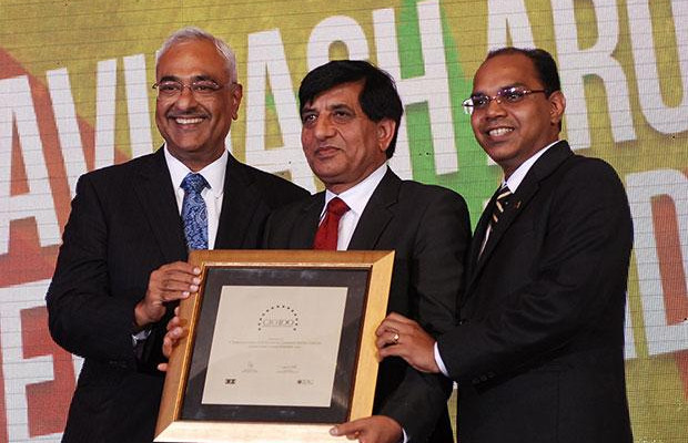 Super League: Avinash Arora, Director- Supply Chain Management at New Holland Fiat (India) receives the CIO100 Special Award for 2012