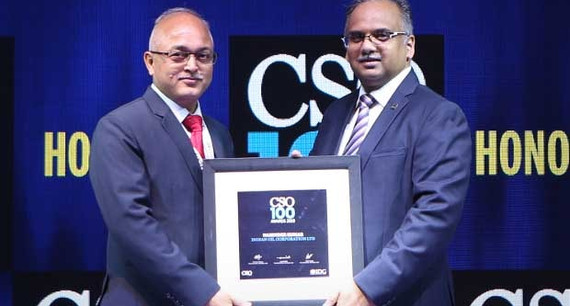 Narinder Kumar, DGM (IS) at Indian Oil receives the CSO100 Award for 2019