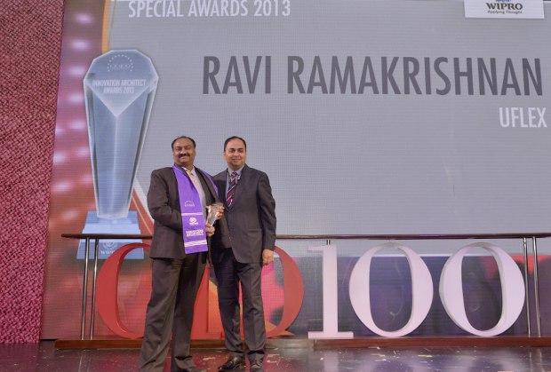 Innovation Architect: Ravi Ramakrishnan, GM-IT of Uflex receives the CIO100 Special Award for 2013 from Anand Sankaran, Senior VP and Business Head, Wipro