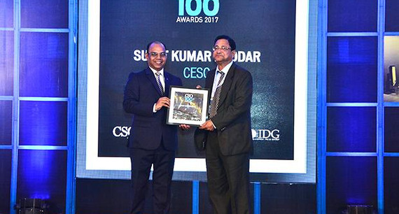 Sumit Poddar, Deputy General Manager, CESC receives the CSO100 Award for 2017.