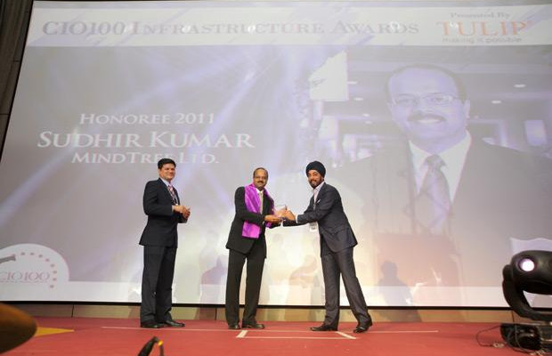 Infrastructure Evolution Futurist: Sudhir Kumar Reddy, VP & CIO, Mindtree receives the CIO100 Special Award for 2011 from Sanjay Jain, CEO, Tulip Telecom