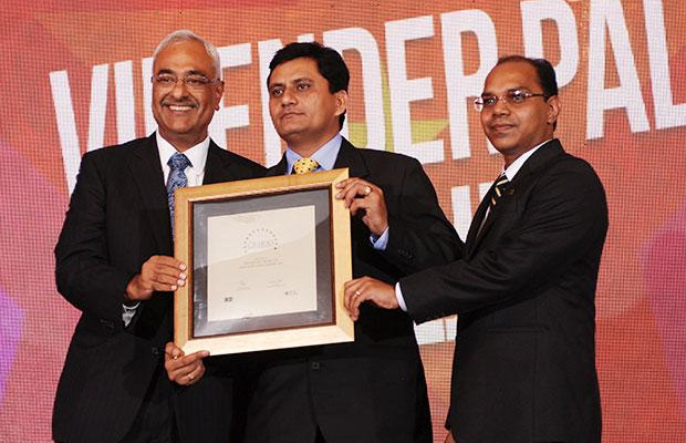 Super League: Virender Pal, CTO of SpiceJet receives the CIO100 Special Award for 2012