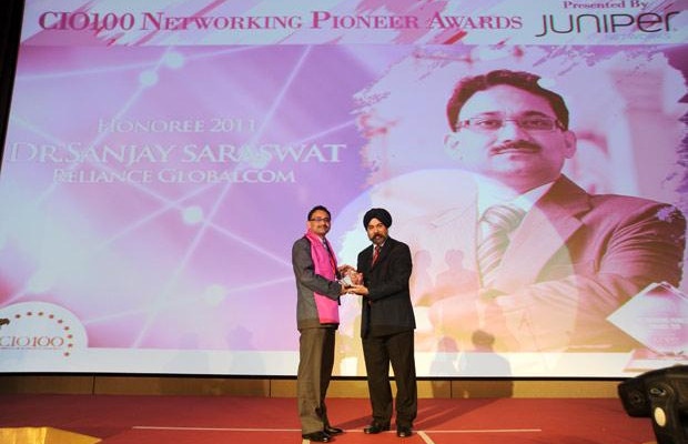 Networking Pioneer: Sanjay Saraswat, CIO of Reliance Globalcom receives the CIO100 Special Award for 2011 from Ravi Chauhan, MD, India and SAARC, Juniper Networks