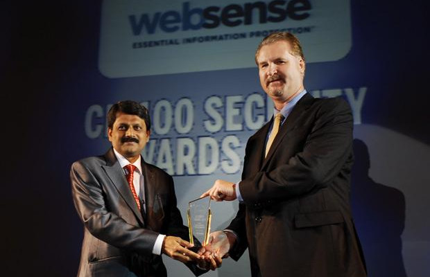 Security Supremo : Sharat M Airani, Chief IT (System and Security) of Forbes Marshall Group of Companies receives the CIO100 Special Award for 2010 from John McCormack, President, Websense