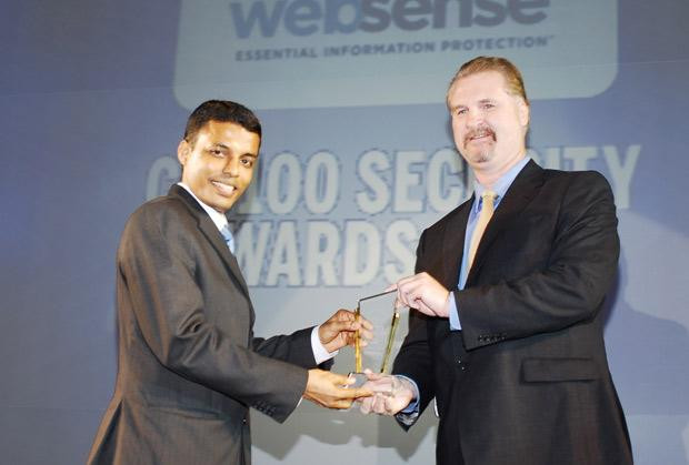 Security: Deepak Rout, Head - Information Security of Uninor India receives the CIO100 Special Award for 2010 from John McCormack, President, Websense