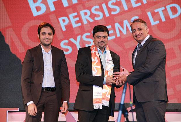 Digital Transformation Czar: Mohit Bhishikar, CIO, Persistent Systems receives the CIO100 Special Award for 2015 from Suhas Kelkar, VP and CTO-APAC, BMC Software