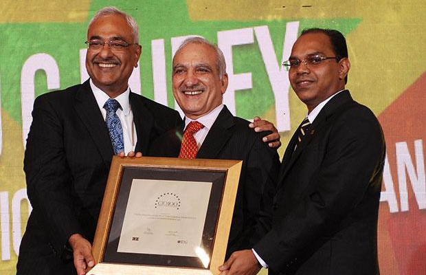 Super League: U C Dubey, Executive Director-IT at Iffco Tokio General Insurance Company (IFFCO) receives the CIO100 Special Award for 2012