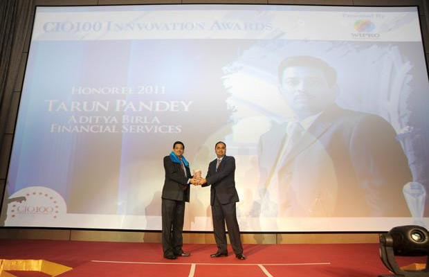 Innovation: Tarun Pandey, Senior VP-IT of Aditya Birla Financial receives the CIO100 Special Award for 2011 from Anand Sanakaran, SVP and Business Head, India, Middle East and Africa, Wipro