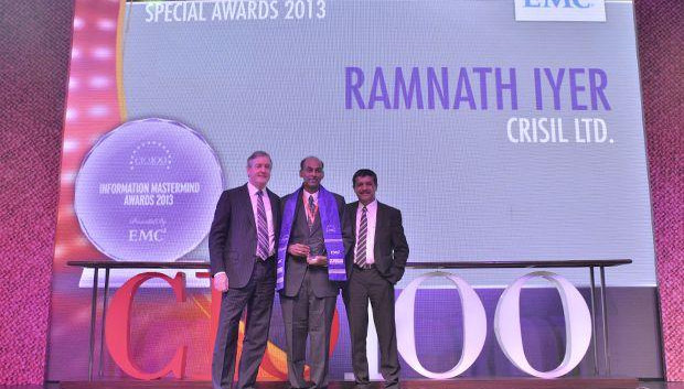 Information Mastermind: Ramnath Iyer, CIO of CRISIL receives the CIO100 Special Award for 2013 from David Webster, President-APJ, EMC India and Rajesh Janey, President-India and SAARC, EMC