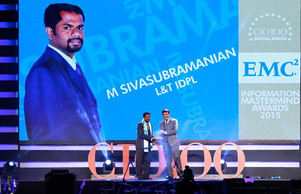 Information Mastermind: M Sivasubramanian, Head-IT of L&T Infrastructure Development Projects receives the CIO100 Special Award for 2015 from Rajesh Janey, President-India and SAARC, EMC