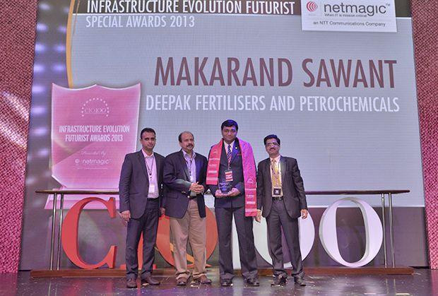 nfrastructure Evolution Futurist: Makarand Sawant, GM-IT of Deepak Fertilizers & Petrochemicals receives the CIO100 Special Award for 2013 from Sharad Sanghi, MD and CEO, Netmagic and Sunil Gupta, COO, Netmagic
