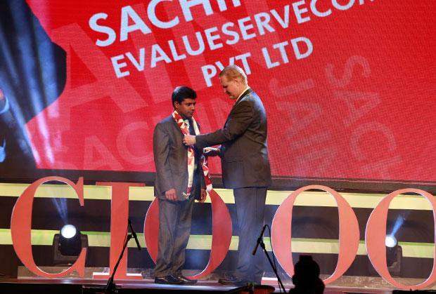 Security Supremo: Sachin Jain, CIO & CSO, Evalueserve receives the CIO100 Special Award for 2015 from John McCormack, CEO, Websense