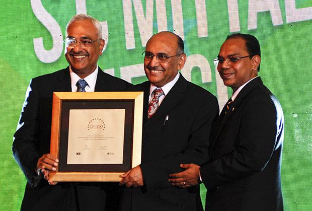 Super League: Subhash Chand Mittal, Group CTO at Indian Farmers Fertiliser Cooperative (IFFCO) receives the CIO100 Special Award for 2012