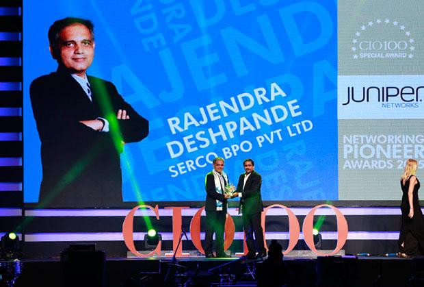 Networking Pioneer: Rajendra Deshpande, CIO-SGS of Serco Global Services receives the CIO100 Special Award for 2015 from Sajan Paul, CTO, Juniper Networks-India and SAARC