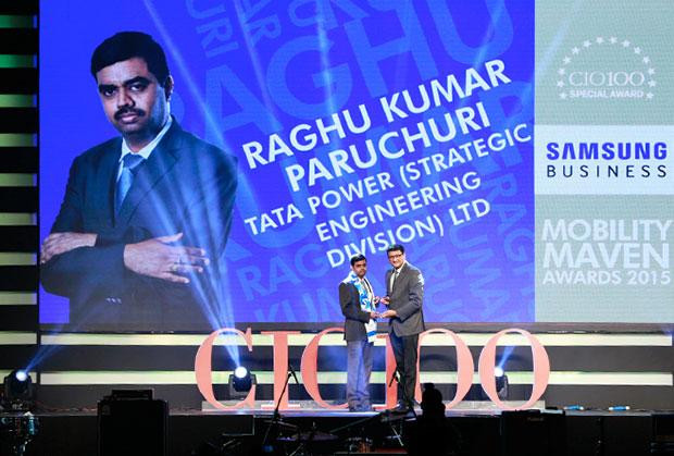 Mobility Maven: Raghu Kumar Paruchuri, Head - ERP & IT of Tata Power Company receives the CIO100 Special Award for 2015 from Sukesh Jain, VP-Enterprise Business Division, Samsung Enterprise Business