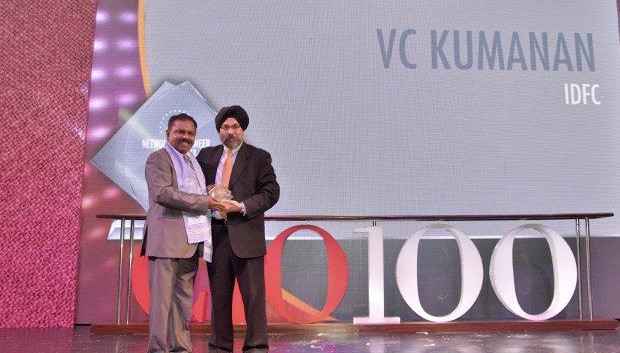 Networking Pioneer: V C Kumanan, Sr. Director-IT, Infrastructure Development Finance Corporation (IDFC) receives the CIO100 Special Award for 2013 from Ravi Chauhan, MD, India and SAARC, Juniper Networks