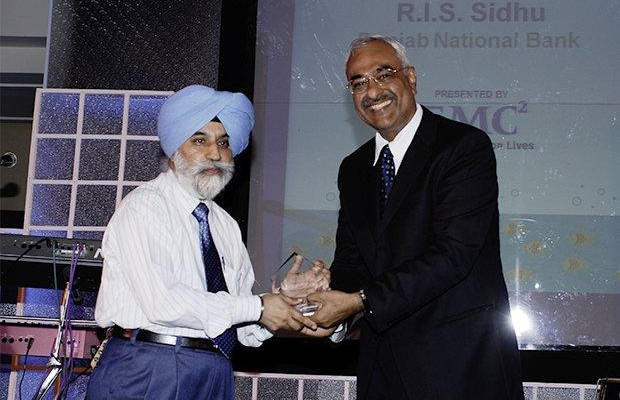 Storage: R I S Sidhu, GM - IT of Punjab National Bank receives the CIO100 Special Award for 2008, constituted in association with EMC