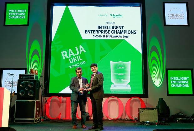 Intelligent Enterprise Champion: Raja Ukil, CIO at Wipro receives the CIO100 Special Award for 2016 from Nikhil Pathak, VP and Country GM-IT Business, India and SAARC, Schneider