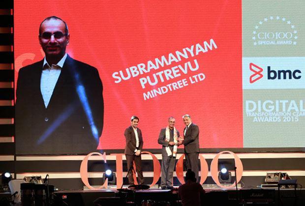 Digital Transformation Czar: Subramanyam Putrevu, CIO of Mindtree receives the CIO100 Special Award for 2015 from Suhas Kelkar, VP and CTO-APAC, BMC Software