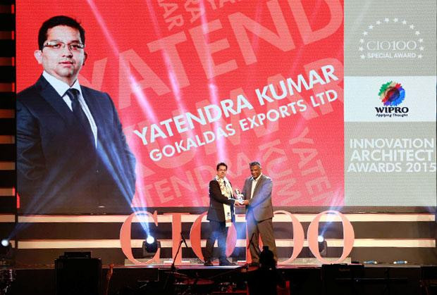 Innovation Architect: Yatendra Kumar, Head-IT, Gokaldas Exports receives the CIO100 Special Award for 2015 from Achuthan Nair, Senior VP and COO, Wipro Infotech