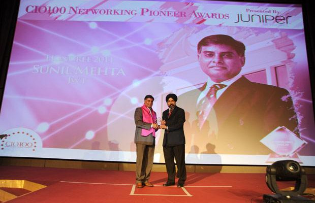 Networking Pioneer: Sunil Mehta, Sr. VP - Area Systems Director (Central Asia), JWT India receives the CIO100 Special Award for 2011 from Ravi Chauhan, MD, India and SAARC, Juniper Networks