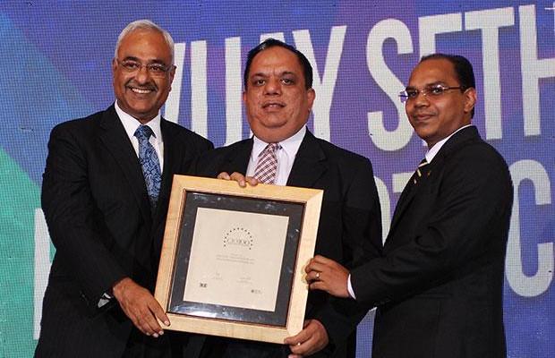 Super League: Vijay Sethi, VP & CIO of Hero MotoCorp receives the CIO100 Special Award for 2012