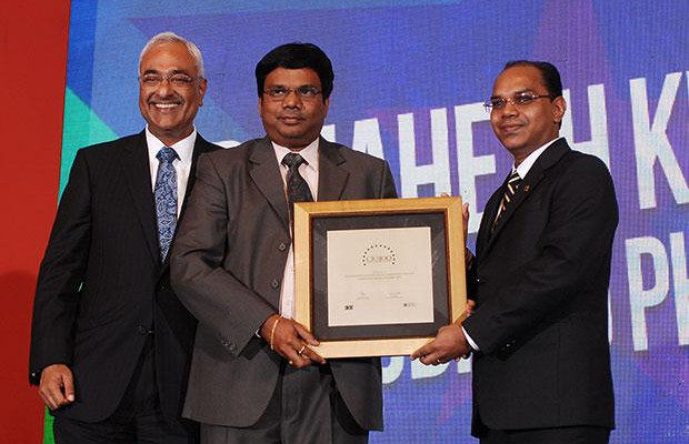Super League: Mahesh Kumar Pinnamaneni, CIO of Aurobindo Pharma receives the CIO100 Special Award for 2012