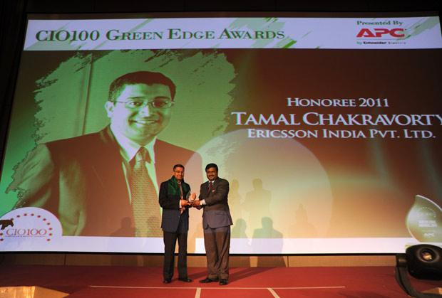 Green Edge: Tamal Chakravorty, Director-IT, Ericsson India receives the CIO100 Special Award for 2011 from Shrinivas Chebbi, Country GM and VP, APC of Schneider Electric