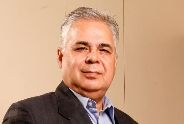 The Creative 100: Ajay Misra, General Manager-IT of Punjab National Bank receives the CIO100 Award for 2011
