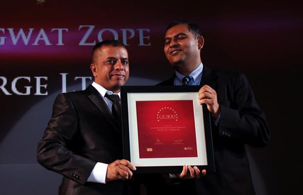 2010: The Agile 100The Agile 100: Yogesh Zope, Group CIO, Bharat Forge receives the CIO100 Award for 2010.