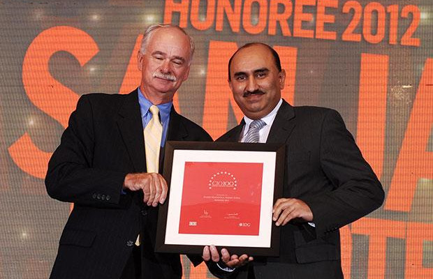 The Resilient 100: Sanjay Malhotra, VP-IT, BS and Ebiz of Amway India Enterprises receives the CIO100 Award for 2012