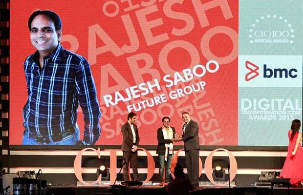 Digital Transformation Czar: Rajesh Saboo, Head IT, Future Group receives the CIO100 Special Award for 2015 from Suhas Kelkar, VP and CTO-APAC, BMC Software