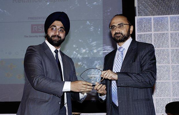 Security: Sandeep Phanasgaonkar, President & CTO of Reliance Commercial Finance receives the CIO100 Special Award for 2009 from Amuleek Bijral, Country Manager, India & SAARC, RSA
