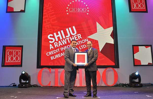 The Transformative 100: A Shiju Rawther, Deputy vice president - Technology, Credit Information Bureau India Limited (CIBIL) receives the CIO100 Award for 2016