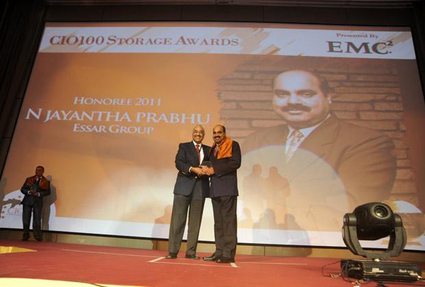 Storage: Jayantha Prabhu, CTO, Essar Group receives the CIO100 Special Award for 2011 from Manoj Chugh, President, India and SAARC, Director Global Accounts-APJ, EMC.