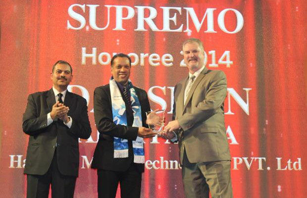 Security Supremo: Darshan Appayanna, CIO at Happiest Minds Technologies receives the CIO100 Special Award for 2014 from John McCormack, CEO, Websense