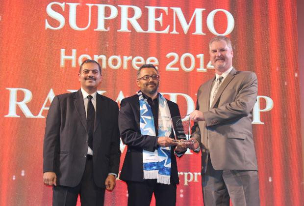 Security Supremo: Ramandeep Singh Virdi, VP IT, Interglobe Enterprises receives the CIO100 Special Award for 2014 from John McCormack, CEO, Websense