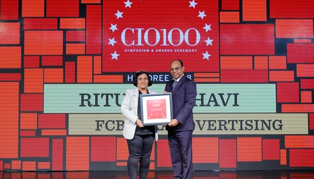 The Digital Architect: Ritu Madbhavi, CIO, FCB ULKA Advertising, receives the CIO100 award for 2018