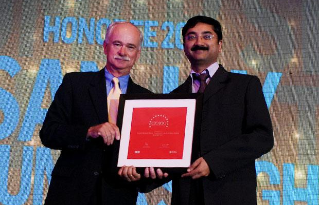 The Resilient 100: Sanjay Singh, Sr. GM IT of Hamdard Laboratories (India) receives the CIO100 Award for 2012