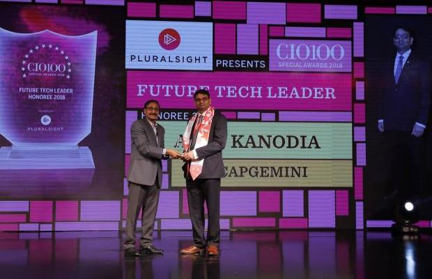 Future Tech Leader: Amit Kanodia, Director & Practice Head (BPM & Integration), Capgemini, receives the CIO100 special award for 2018 from Arun Rajamani Sivaramakrishnan, VP & Country Head Pluralsight India