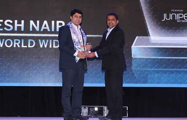 Networking Pioneer: Aneesh Nair, CIO at NDTV Worldwide receives the CIO100 Special Award for 2017 from Sajan Paul, CTO, Juniper Networks-India and SAARC