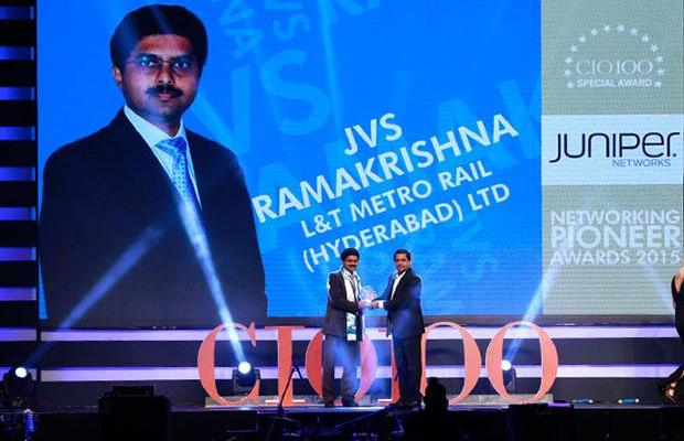 Networking Pioneer: JVS Ramakrishna, CIO of L&T Metro Rail (Hyderabad) receives the CIO100 Special Award for 2015 from Sajan Paul, CTO, Juniper Networks-India and SAARC
