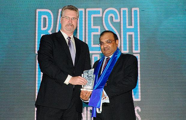 Security Supremo: Rajesh Mohan, Joint President -IT, Binani Industries receives CIO100 Special Award for 2012 from from John McCormack, CEO, Websense