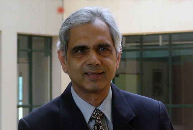 The Innovative 100: Ravi Tandon, Board of Director, Abhishek Industries receives the CIO100 Award for 2007
