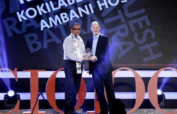 Business Assurance Champion: Rajesh Batra, CIO of Kokilaben Dhirubhai Amabani Hospital receives the CIO100 Special Award for 2015 from Andrew Littleproud, VP-APAC, Blue Coat