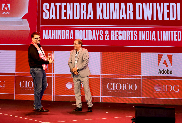Customer Experience Icon: Satyendra Kumar Dwivedi, Chief Technology Officer Mahindra Holidays receives the CIO100 Special Award for 2019 from Narsimha Rao, Sales Director, Adobe