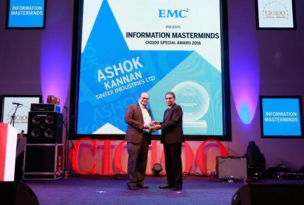 Information Mastermind: Ashok Kannan, President - IT of Sintex Industries receives the CIO100 Special Award for 2016 from Anil Zachariah, Senior Director, Customer Services of EMC