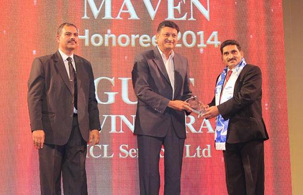 Mobility Maven: Gure Govind Rao, CIO of HCL Services receives the CIO100 Special Award for 2014 from Sukesh Jain, VP-Enterprise Business Division, Samsung Enterprise Business