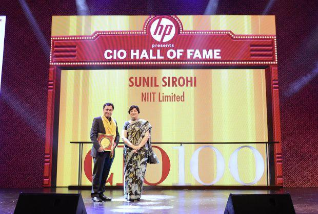 Hall of Fame: Sunil Sirohi, Sr. VP - IT of NIIT receives the CIO100 Special Award for 2013 from Neelam Dhawan, MD, HP India