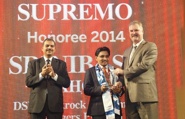 Security Supremo: Srinibash Sahoo, Senior VP & Head-Technology, DSP Blackrock Investment Managers receives the CIO100 Special Award for 2014 from John McCormack, CEO, Websense